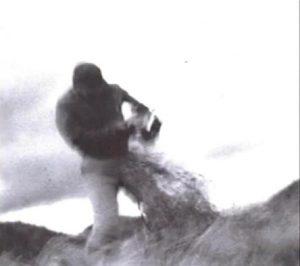 fotografia-cu-dematerializarea-bratului-cameramanului-care-filma-experimentele-de-tip-militar