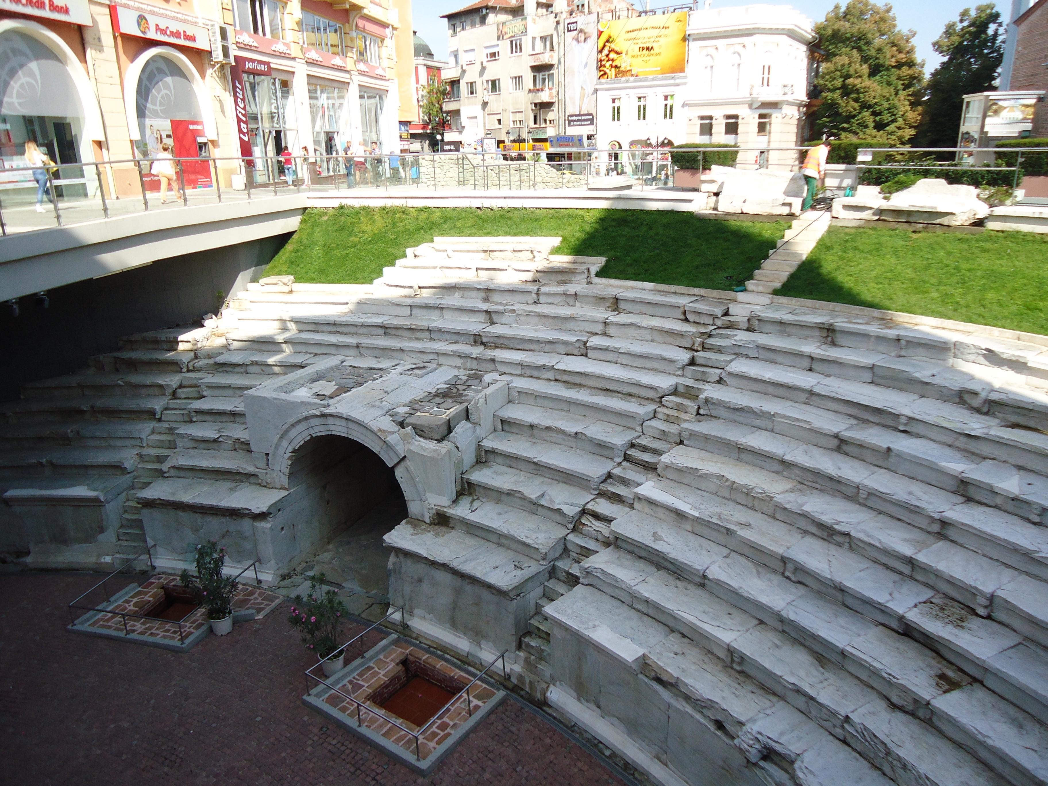 Imagini pentru plovdiv cetatea